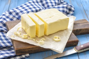 Butter enthält vor allem gesättigte Fettsäuren